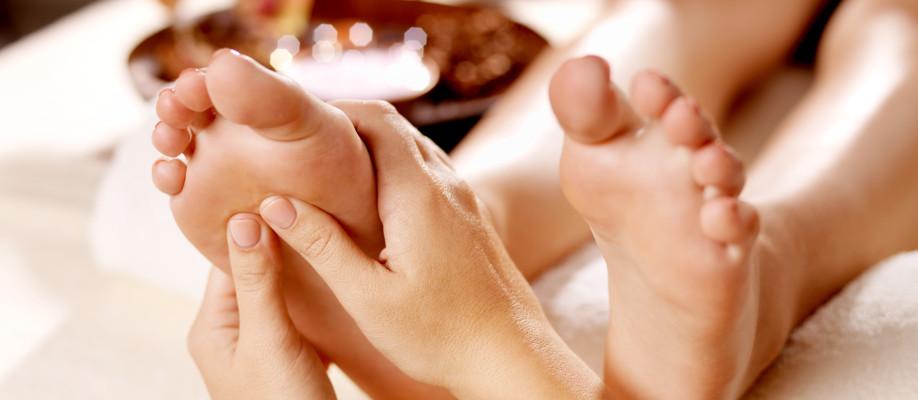 массаж ног полной девушке видео задолженность